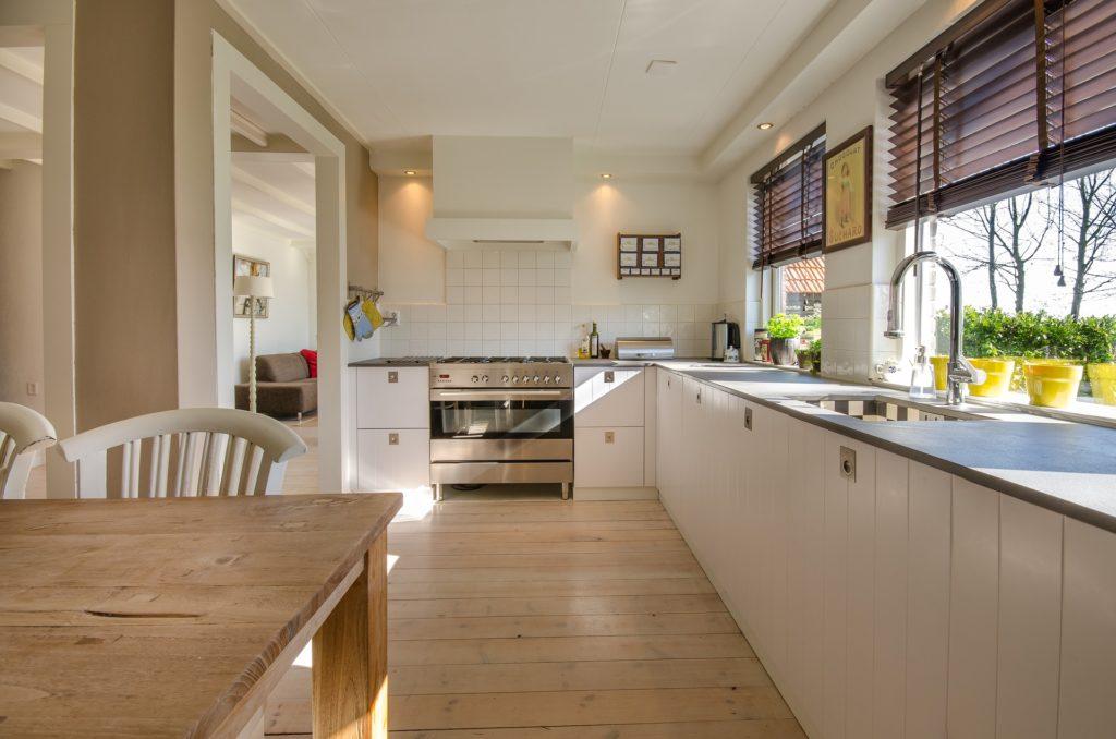 Nettoyage Approfondi Cuisine & Salle de Bains de votre maison, appartement par 2MS PARTICULIERS | Société de nettoyage Service à la personne | Drôme Ardèche